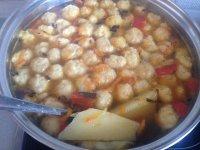Суп с сырными шариками готов
